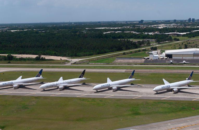 United eyes mass layoffs as coronavirus creates worst crisis in airline history – Yahoo Finance
