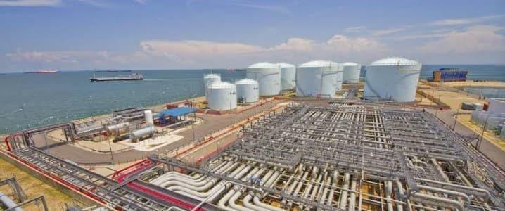 Oil Falls After EIA Confirms Large Crude Inventory Build – OilPrice.com